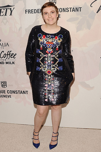 Лина Данэм (Lena Dunham) в платье Mary Katrantzou Fall 2014 и туфлях Nicholas Kirkwood