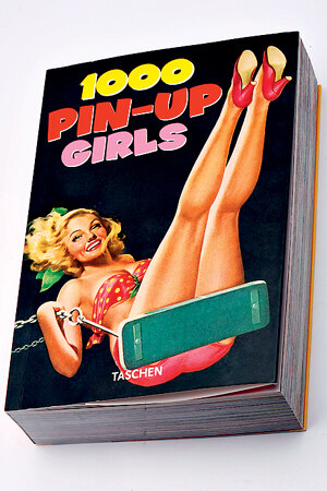 Книга 1000 Pin-up Girls