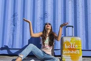 Shine bright like a diamond: 2 блестящих чемодана American Tourister с глиттером